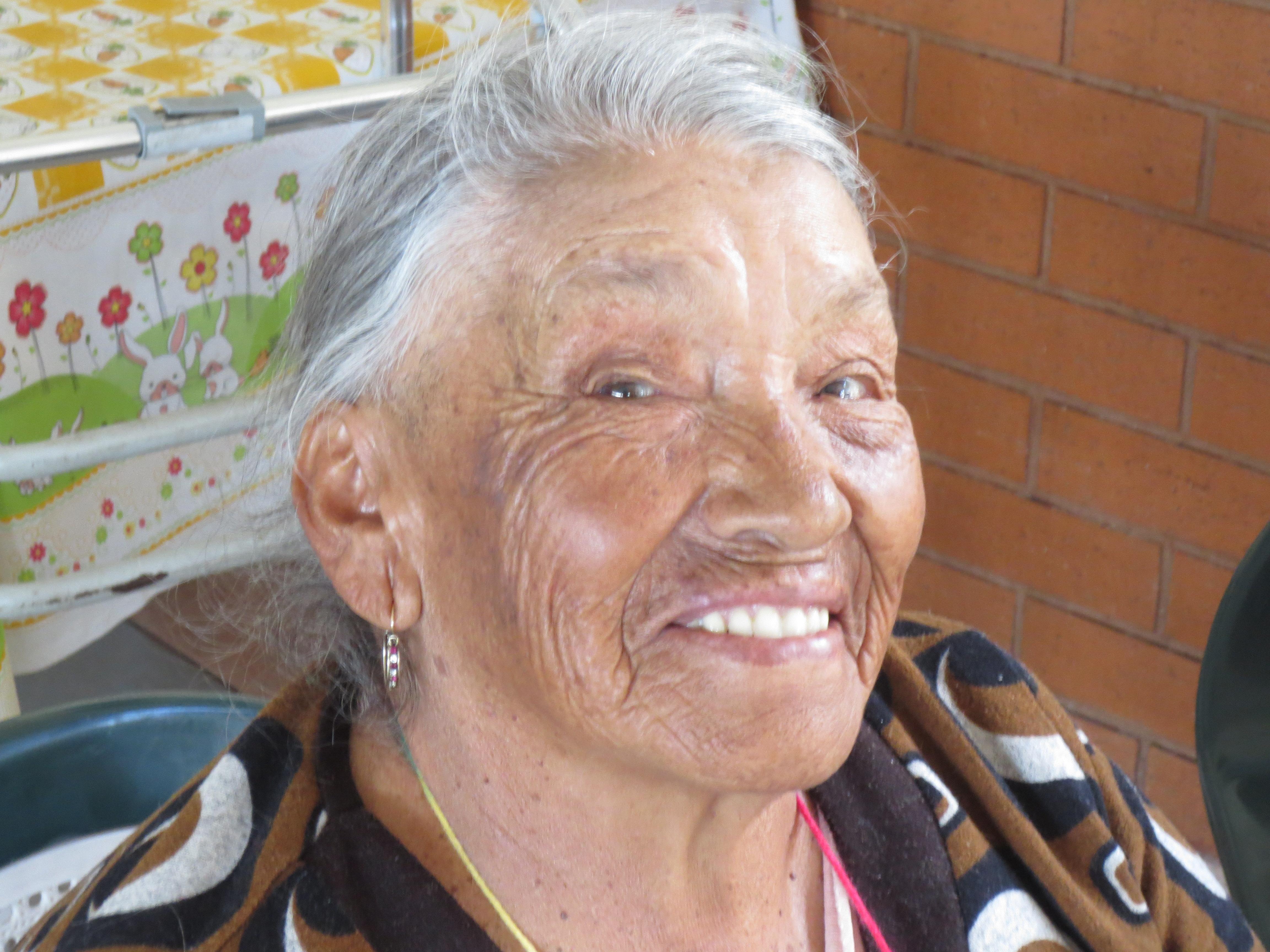 ogar de Ancianos Happy Woman