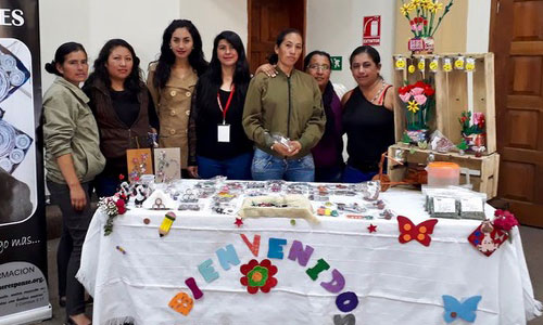 Quito Women